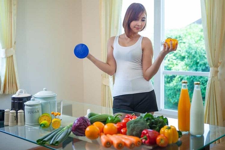 Một chế độ ăn uống để có làn da đẹp là ưu tiên rau xanh và trái cây