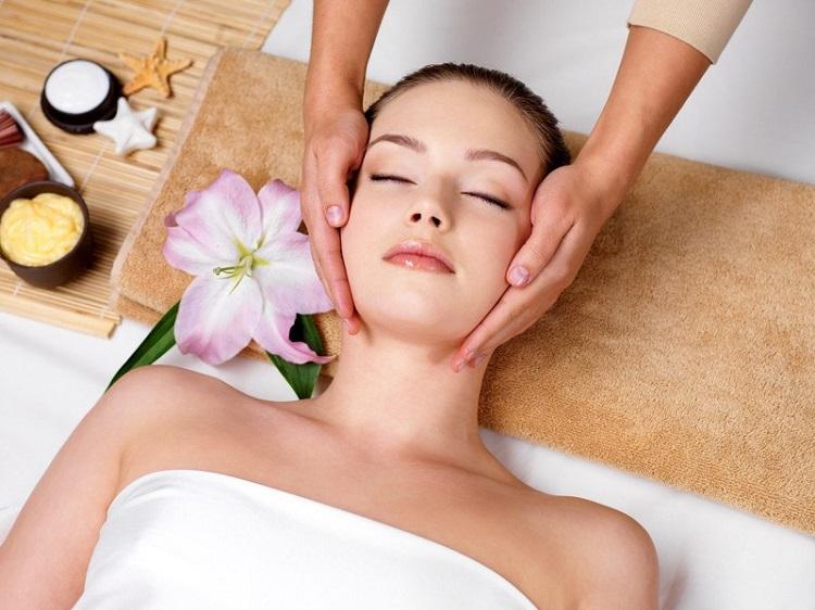 Massage da mặt thường xuyên sẽ giúp chống lão hóa da hữu hiệu