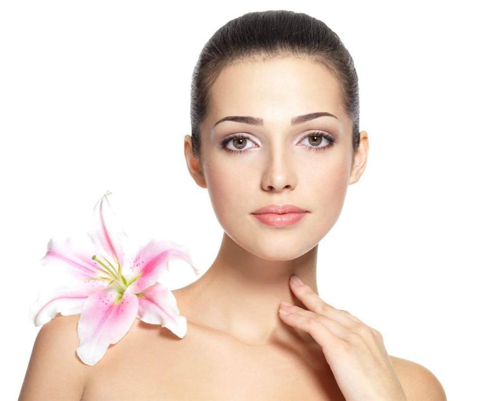 Sử dụng mỹ phẩm có hương thơm tự nhiên cho da nhạy cảm