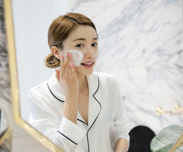 Tẩy da chết là một trong các bước rất quan trọng trong việc chăm sóc da.